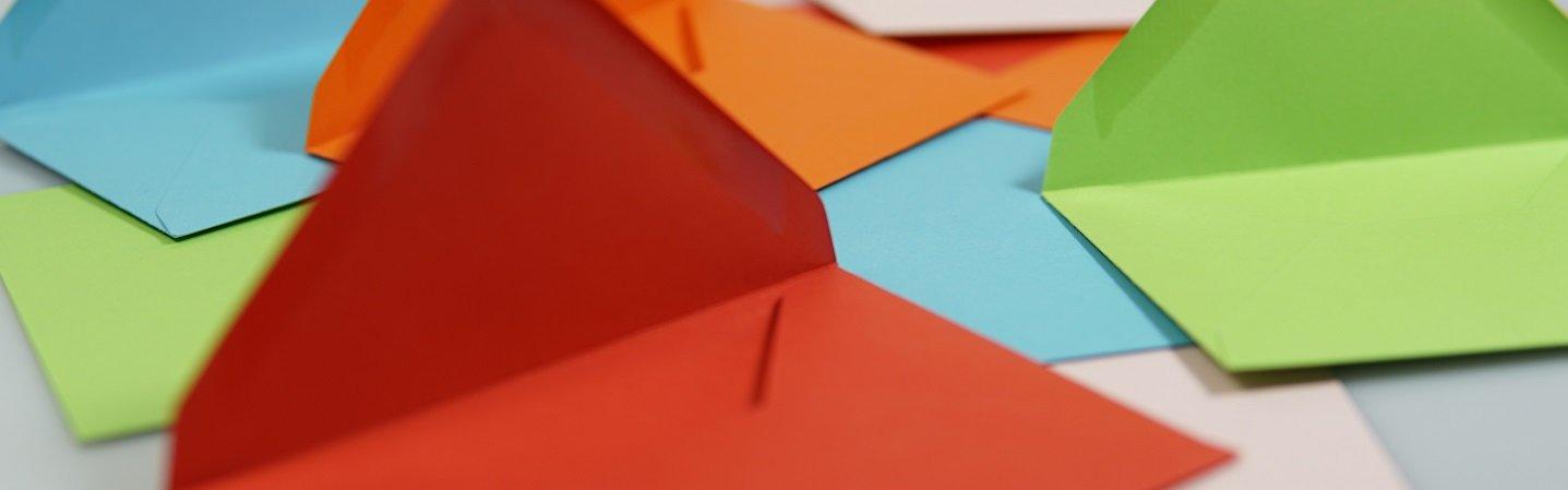 50/buste per lettere DIN lungo colore: bordeaux autoadesivo 114/x 229/mm